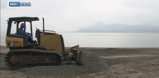 鹿児島、海水浴シーズンを前に「磯海水浴場」に砂搬入。
